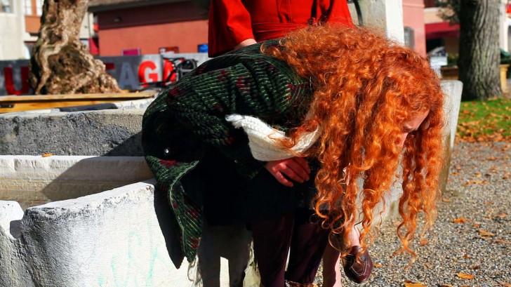 """Rotes Haar in """"Adieu au Langage"""""""